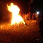 Giovanni Paolo II è apparso tra le fiamme di un falò
