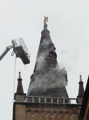 Effetti del fulmine sul duomo di Parma
